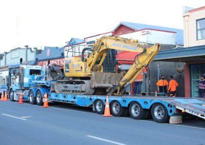 An excavator is unloaded.